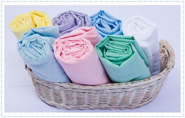 Você sabe dobrar o lençol de elástico? Veja como.
